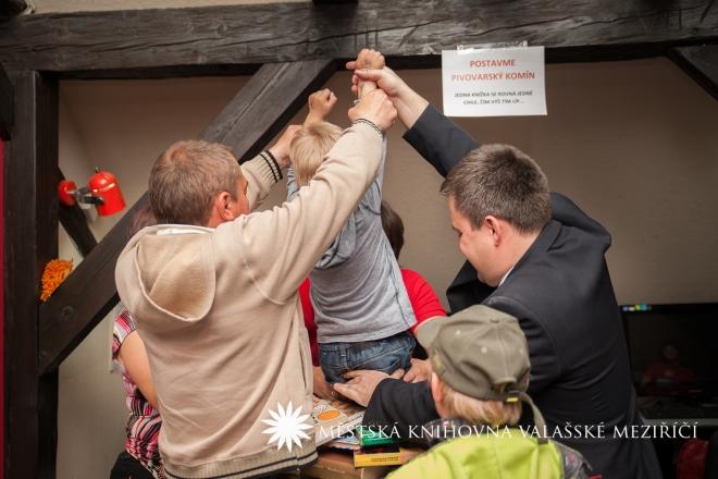 Skřivánci na niti, razítko na řiti aneb Muzejní noc 2014